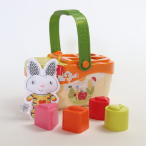 Fisher-Price Tiny Garden Sort & Learn Picnic