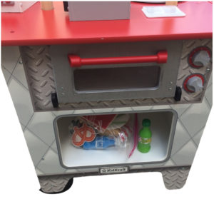 KidKraft My Ultimate Snack Stand